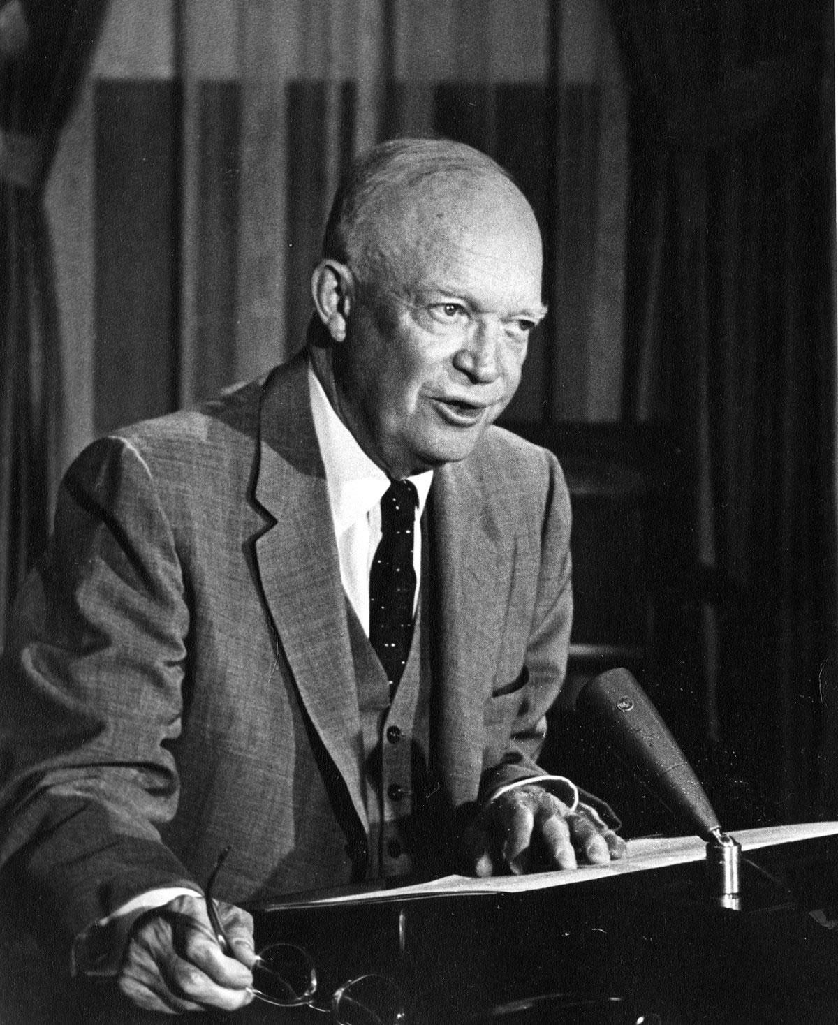Dwight d eisenhower atoms for peace 8 december 1953 voices eisenhower publicscrutiny Image collections